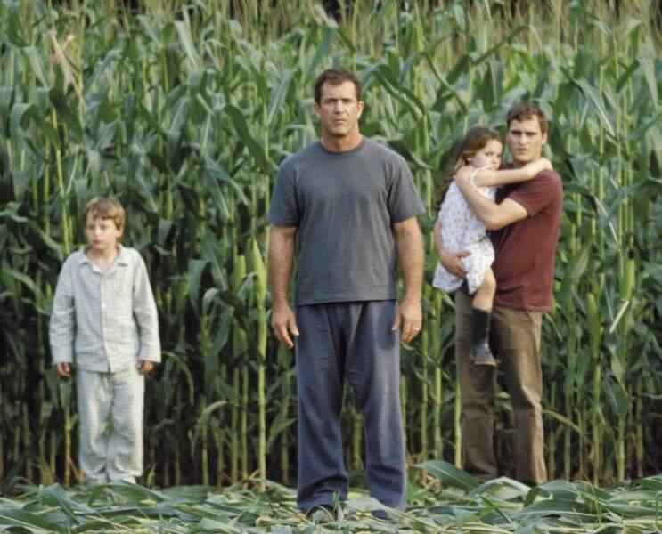 Petite et déjà face à de mystérieux envahisseurs dans Signes (2001)