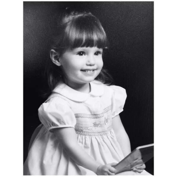 Choupinette : l'actrice Dianna Agron de Glee en 1989.