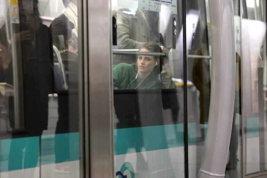 L'occasion pour l'actrice de découvrir les joies du métro parisien