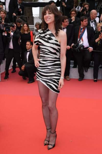 Charlotte Gainsbourg en robe très courte