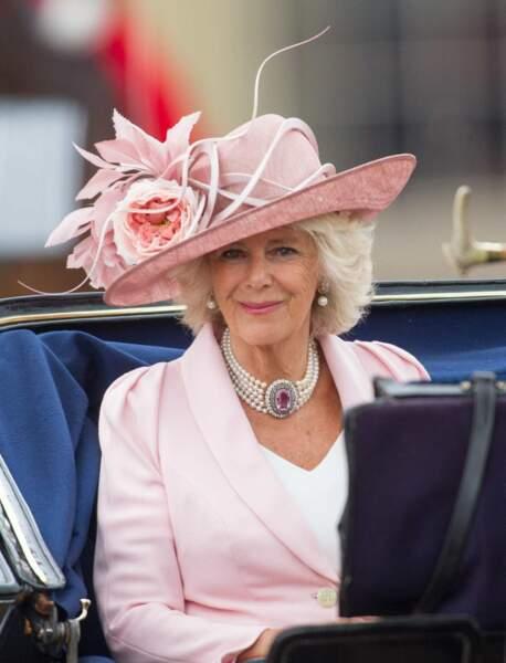 ... Alors que Camilla a vu les choses en grand et en rose. Quel doublé !