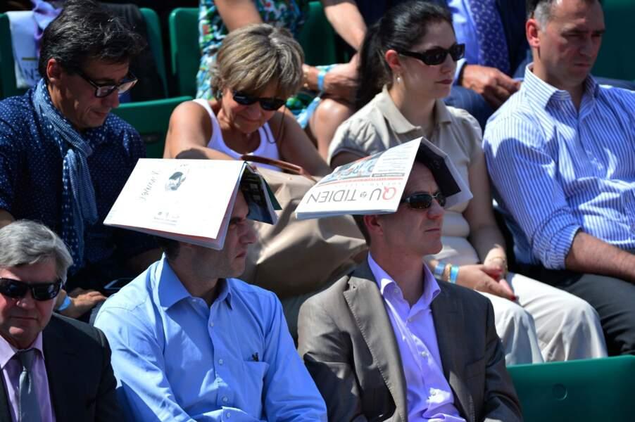 Tandis que d'autres spectateurs ont préféré opter pour des chapeaux un peu plus originaux.