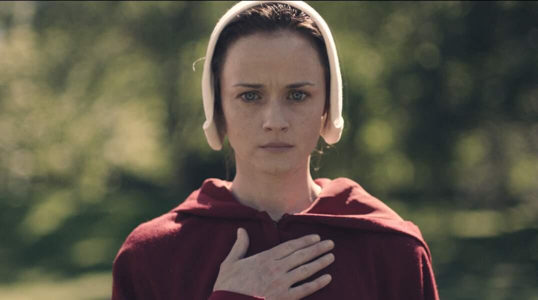 Emily/Deglen est jouée par Alexis Bledel
