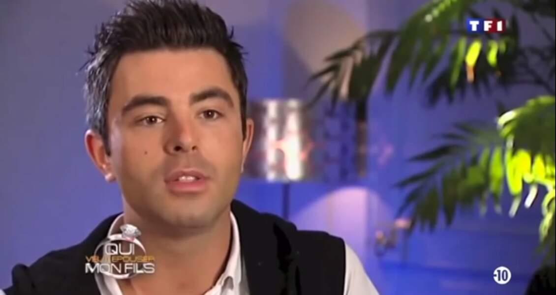 Il aussi été chroniqueur sur une petite web radio et a joué dans un moyen-métrage présenté au Festival de Cannes