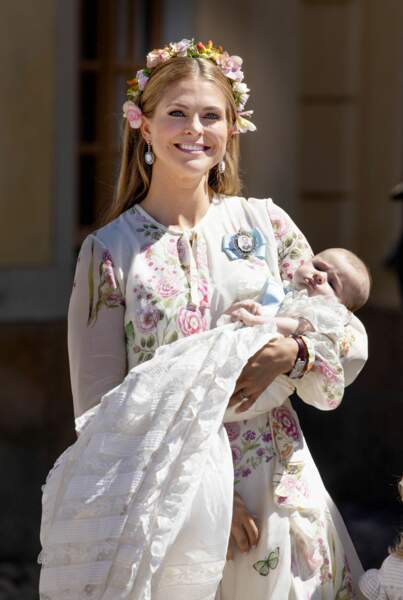 avec l'arrivée de la petite dernière, la princesse Adrienne Josephine Alice aussi radieuse que sa maman