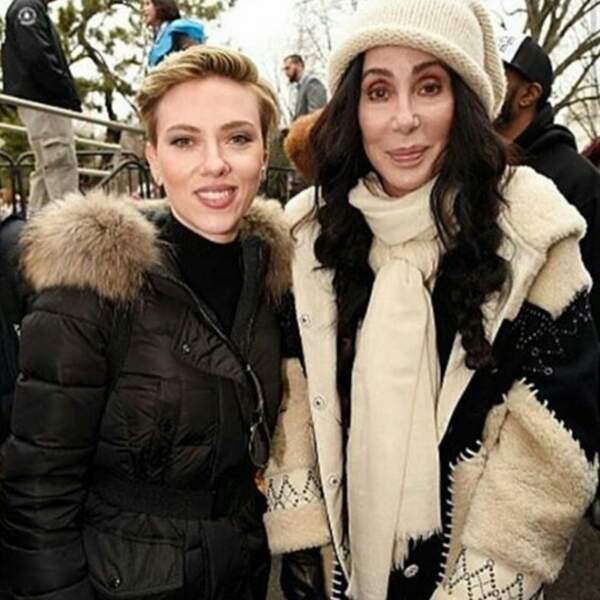 … et a posé avec la chanteuse Cher