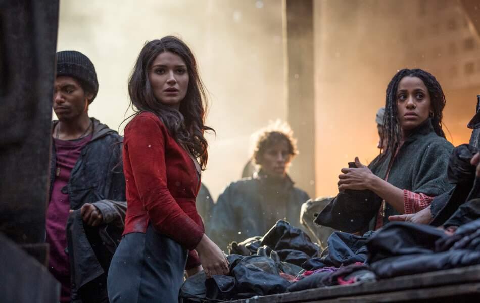 Marianne (Eve Hewson) est bouleversée au retour de Robin à Nottingham...