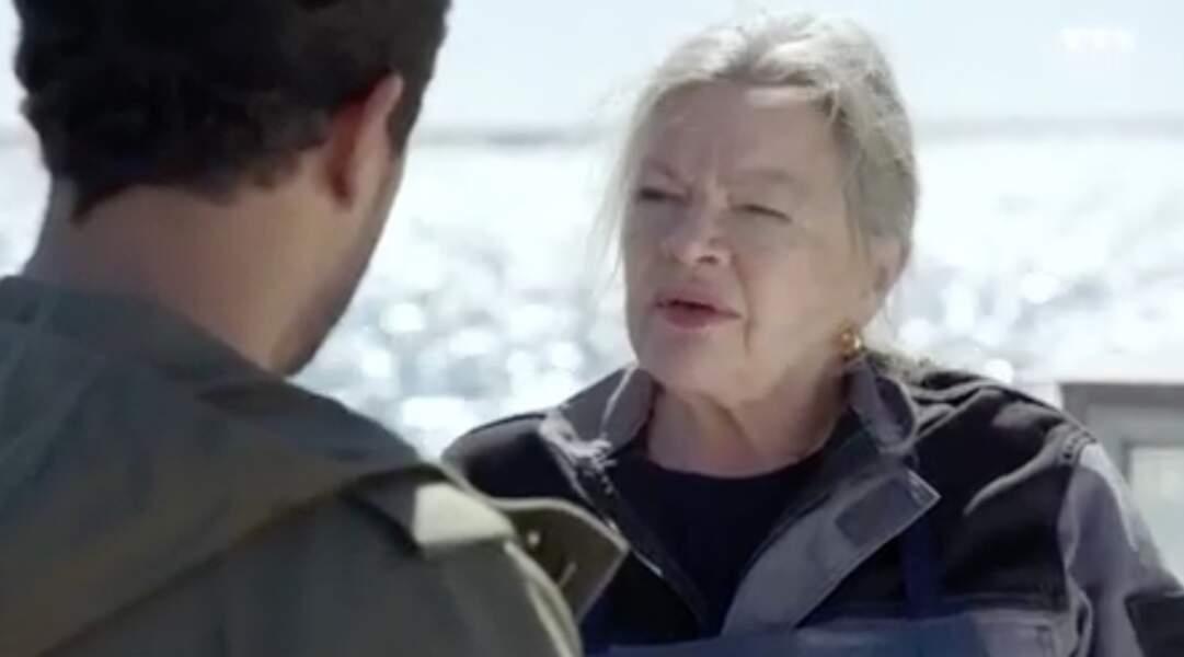 Jeanne Bellanger est incarnée par Catherine Allégret. Son personnage est la mère de Robin mais aussi celle d'Alex