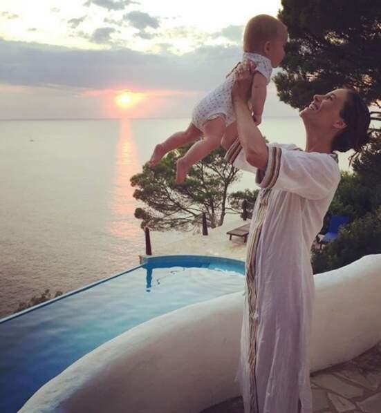 Il n'y a pas à dire : Mélanie Bernier et sa fille étaient dans un joli cadre.