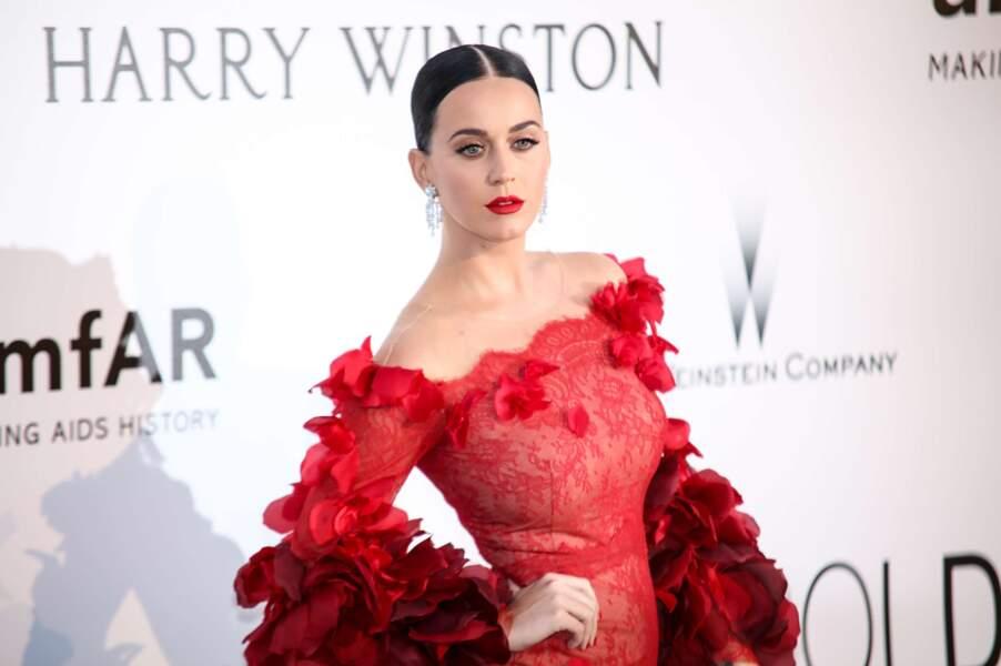 """Son prénom était trop long alors cette chanteuse est passée de """"Katheryn"""" à """"Katy Perry""""."""