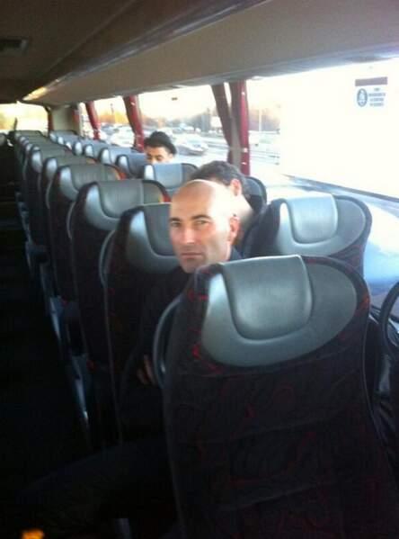 Nicolas Canteloup dans le bus des Enfoirés 2014