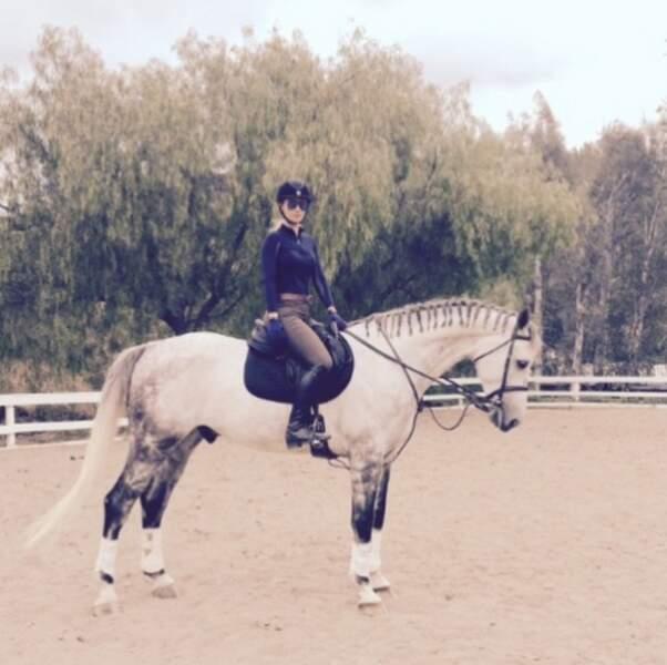 Enfin, la rappeuse Iggy Azalea adore l'équitation...
