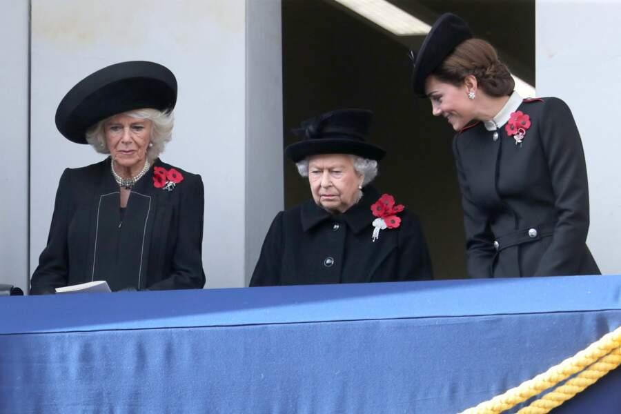 Kate Middleton très complice avec la reine Elizabeth II lors de la cérémonie commémorant l'Armistice