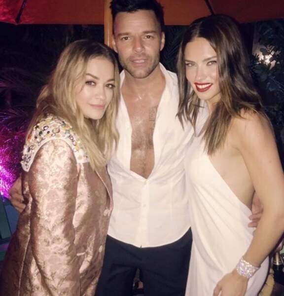Le moins qu'on puisse dire, c'est que Ricky Martin était bien accompagné. Rita Ora, Adriana Lima...
