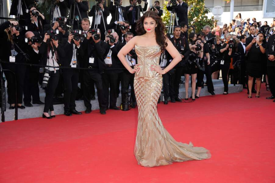 Attention ! Bombe anatomique sur le tapis rouge : l'actrice indienne Aishwarya Rai
