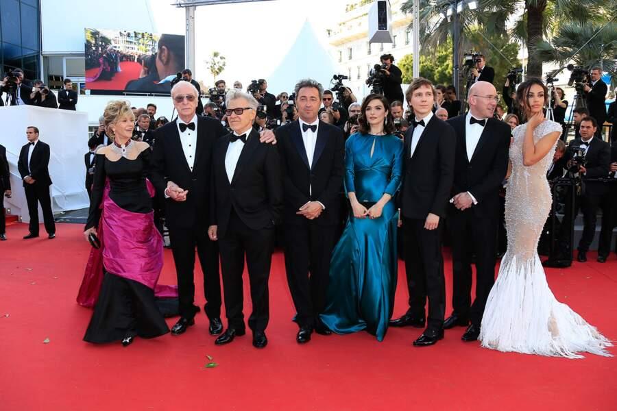 """L'équipe de """"Youth"""" lors de la montée des marches au Festival de Cannes."""