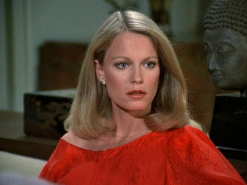 Shelley Hack (Tiffany Welles)
