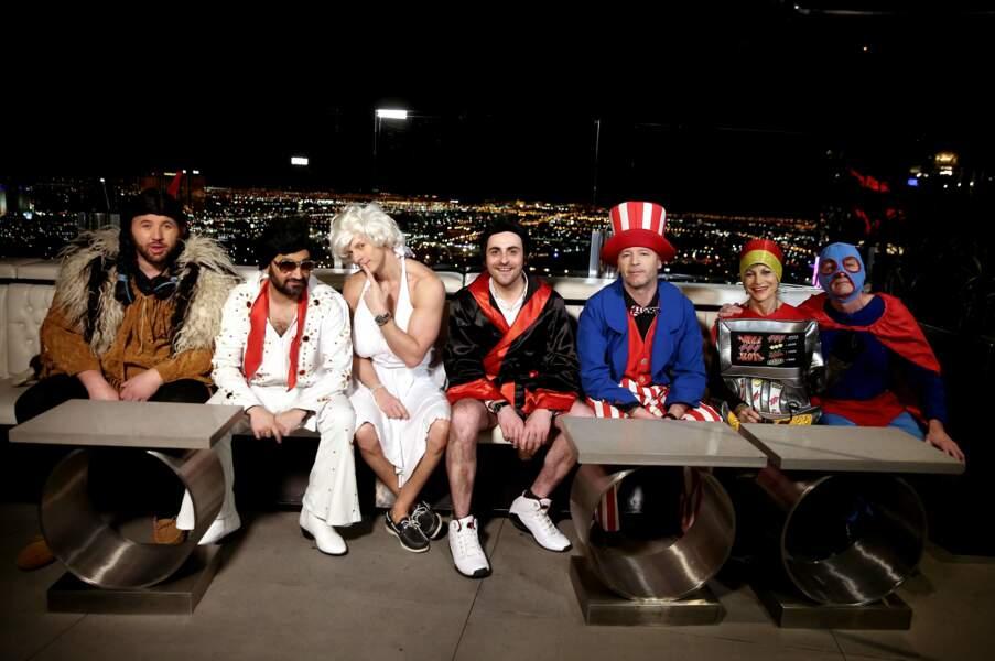 Une belle brochette de personnages avec en toile de fond Las Vegas by night.