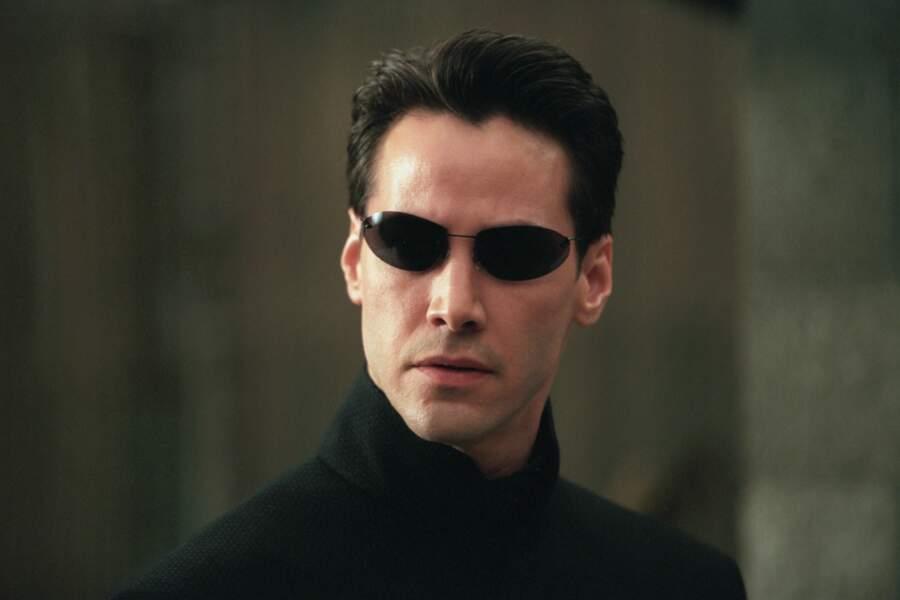 Avec le succès de la saga Matrix, dur dur pour l'acteur de passer inaperçu...