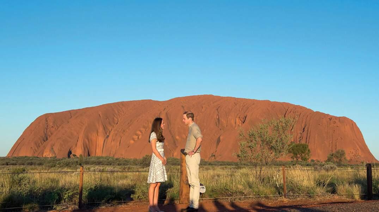 En toutes circonstances, Kate et William sont parfaits : pour la pose romantique...