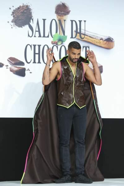 Brahim Zaibat, tel un Batman en chocolat ouvre le bal des robes en chocolat