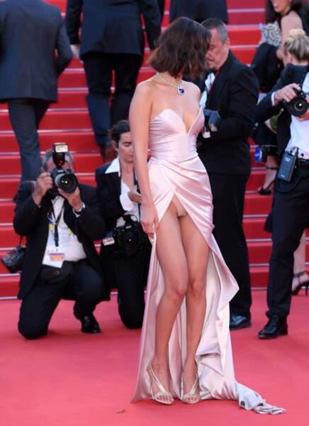 Bella Hadid, une des plus sexy, a montré sa culotte