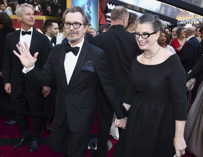 Gary Oldman (et sa compagne Gisele Schmidt), élu Meilleur acteur pour son rôle de Churchill dans Les Heures sombres