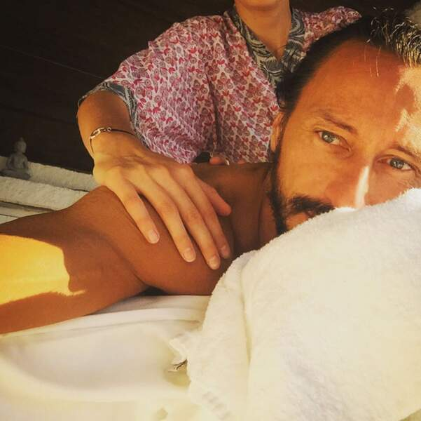 Pause massage pour Bob Sinclar en Corse. On échange ?