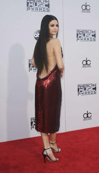 Le beau dos nu de Selena Gomez