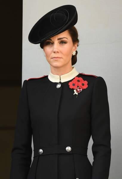 Kate Middleton, très chic toute de noir vêtue