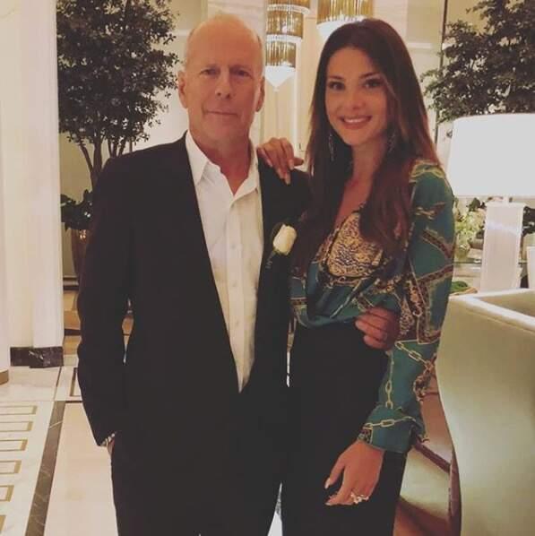 Alice Detollenaere aux côtés de l'acteur Bruce Willis