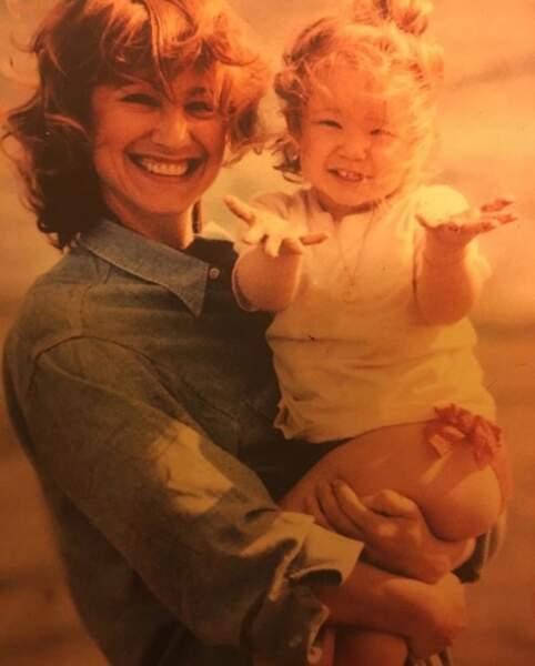 Pendant ce temps-là, Nathalie Baye se rappelait le bon vieux temps en compagnie de sa fille Laura.