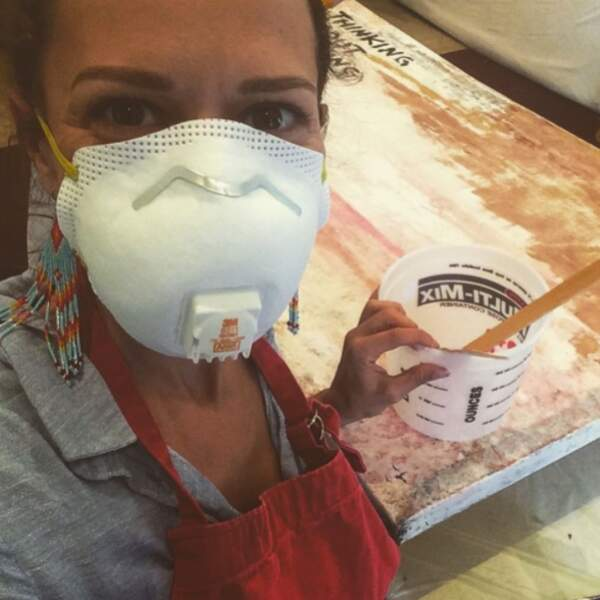 Bethany Joy Lenz (Colony) se met à la peinture