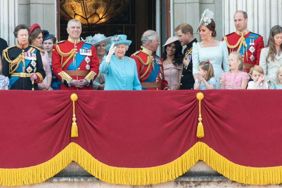 Toute la famille royale réunie au balcon pour l'anniversaire de la Reine