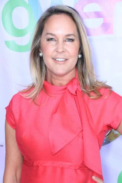 A 54 ans, l'actrice a gardé sa blondeur et son sourire