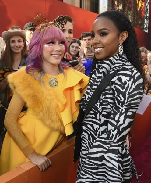 Kelly Rowland prend la pose avec une fan