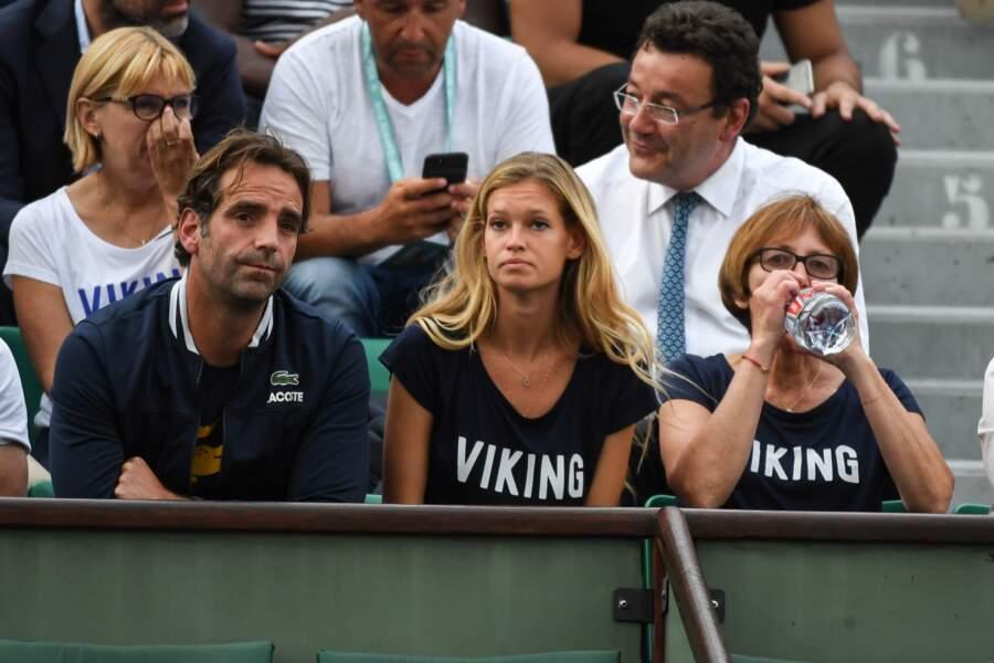 Principale chance française à Roland-Garros, Lucas Pouille était dans les tribunes avec sa chérie Clémence