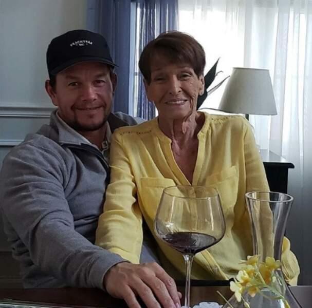 Mark Wahlberg est un vrai fils à maman.