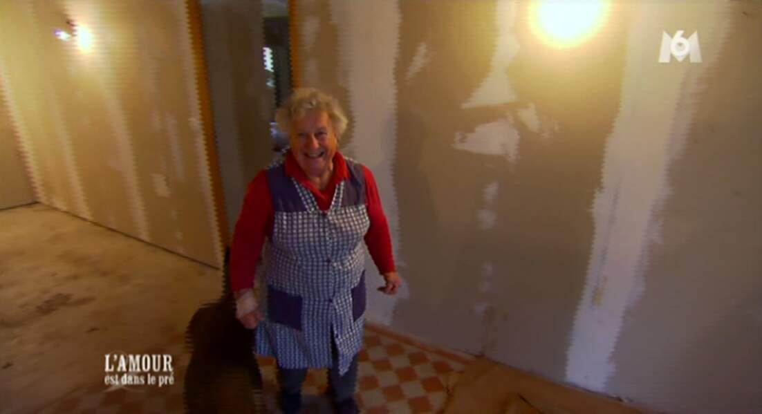 Voici Carmen, la maman de Thierry, qui fait TOUT dans la maison