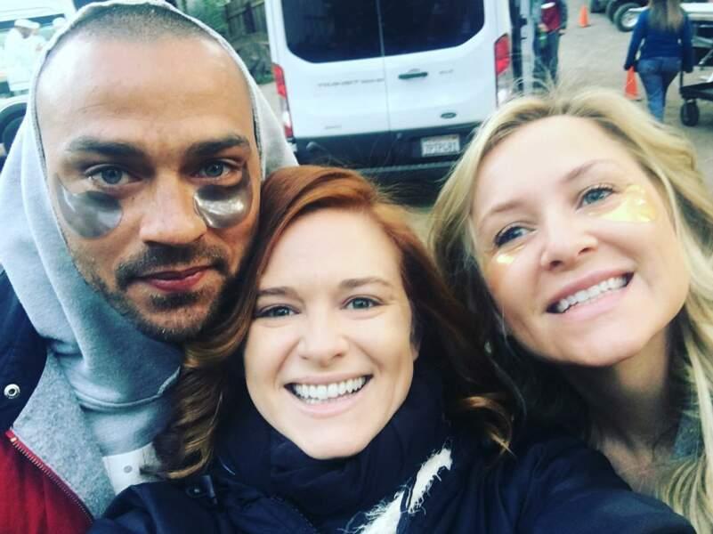 Soin anti-cernes pour Jesse Williams et Jessica Capshaw pendant les répétitions de certaines scènes
