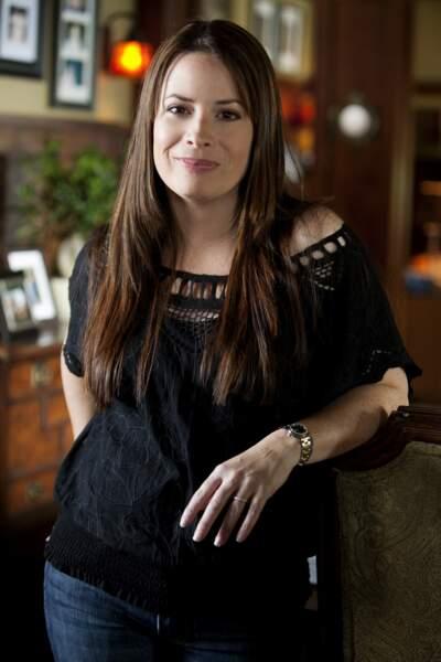 Holly Marie Combs alias Piper Halliwell qui campe le rôle de la mère d'Aria