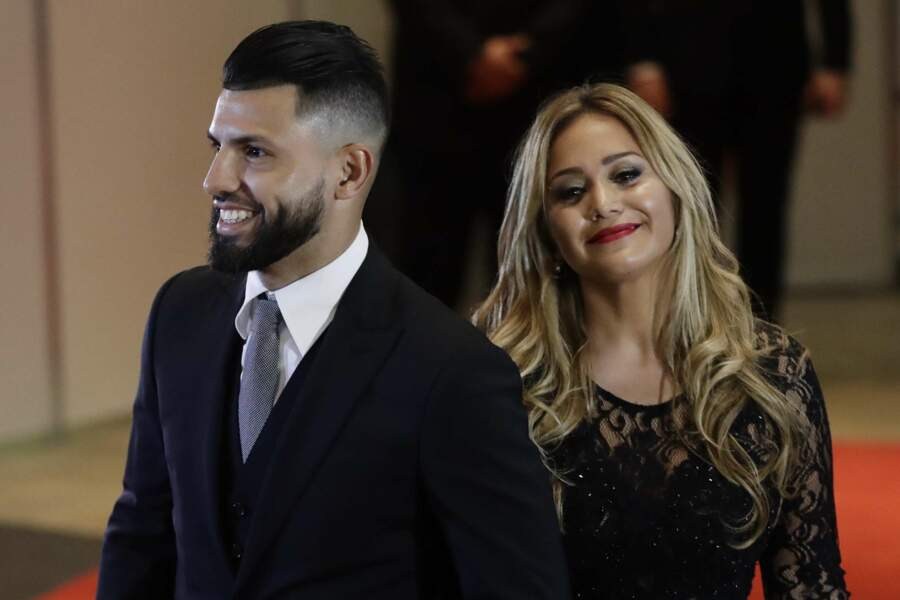 L'attaquant de Manchester City Sergio Aguero et sa petite amie Karina Tejeda