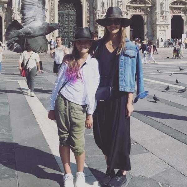 Jessica Alba et sa fille aînée, Honor, ont fait un petit tour à Milan.