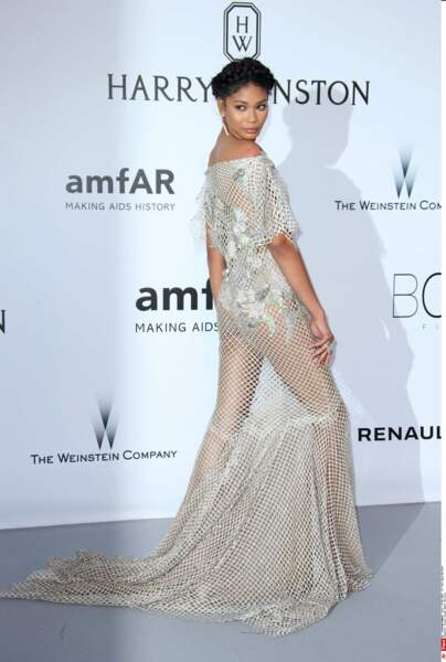 Chanel Iman a trouvé un concept sympa : la robe en filet de pêche
