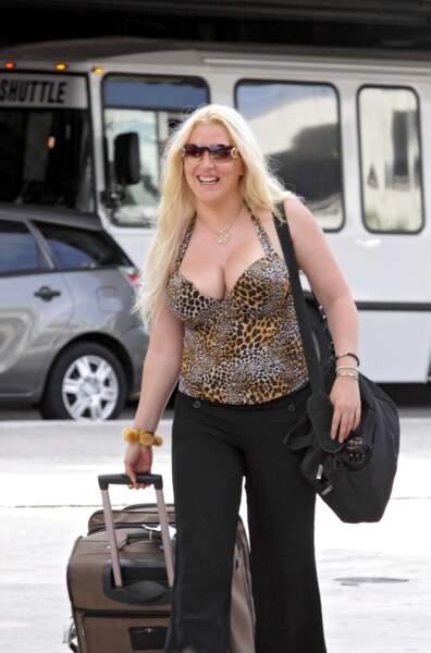 Loana s'envole pour Les Anges de la télé-réalité en 2011. Son objectif : perdre du poids et retrouver la forme