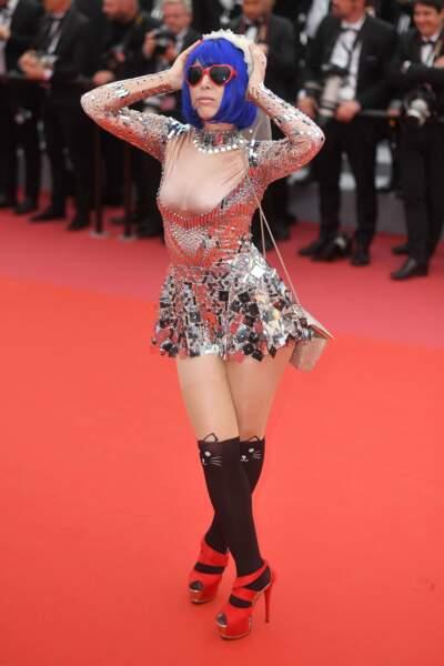 Un ami a dit a Marie Parie que Cannes était un concours de Cosplay…