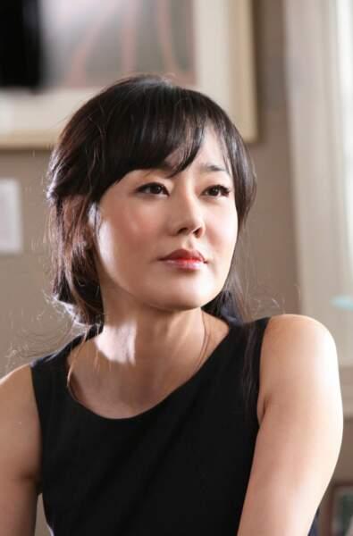 Kim Yoon-jin a joué dans Mistresses, aux côtés d'Alyssa Milano