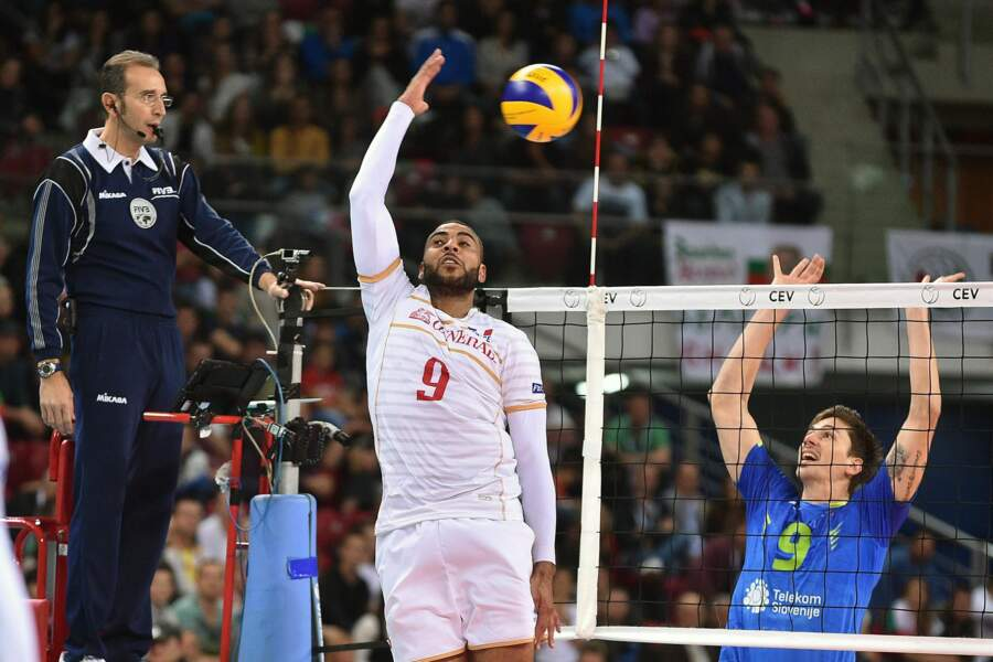 18 octobre, La France et Earvin N'Gapeth assomment le volley mondial. Génération en ORdre marche vers la gloire
