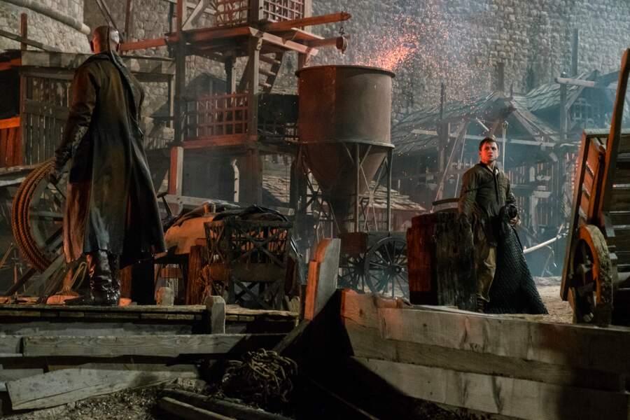 Le plan est au point. Robin (Taron Egerton) se rapprochera du shérif...