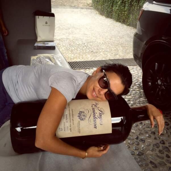 ... et la bouteille de vin XXL d'Eva Longoria !